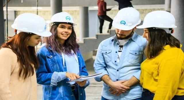 ASÜ Öğrencilerinin 3'te 2'si Çalıştığı Kurumdan İş Teklifi Alıyor
