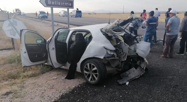 Hız Motosikleti İle Otomobil Çarpıştı: 1 Ölü, 5 Yaralı