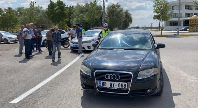 Otomobil İle Çarpışan Motosikletin Sürücüsü Ağır Yaralandı