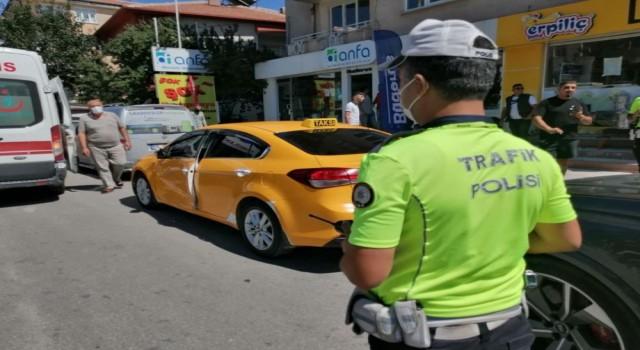 Ticari Taksi İle Cip Çarpıştı: 1 Yaralı
