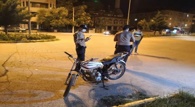 Tescilsiz Motosiklet Sürücüsü Bekçilerden Kaçamadı